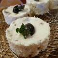 Petits fromages aux olives