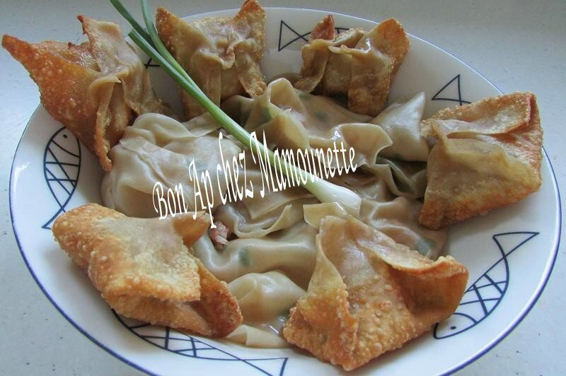 raviolis chinois aux crevettes et ciboule frits et cuits à l'eau 020