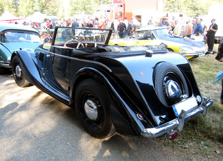 Morgan_plus_4_convertible__28_me_bourse_d__change_de_Lipsheim__02