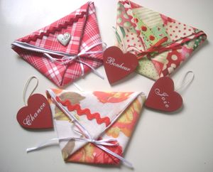 POCHETTES_TONS_ROUGE_FACE_FERMEES