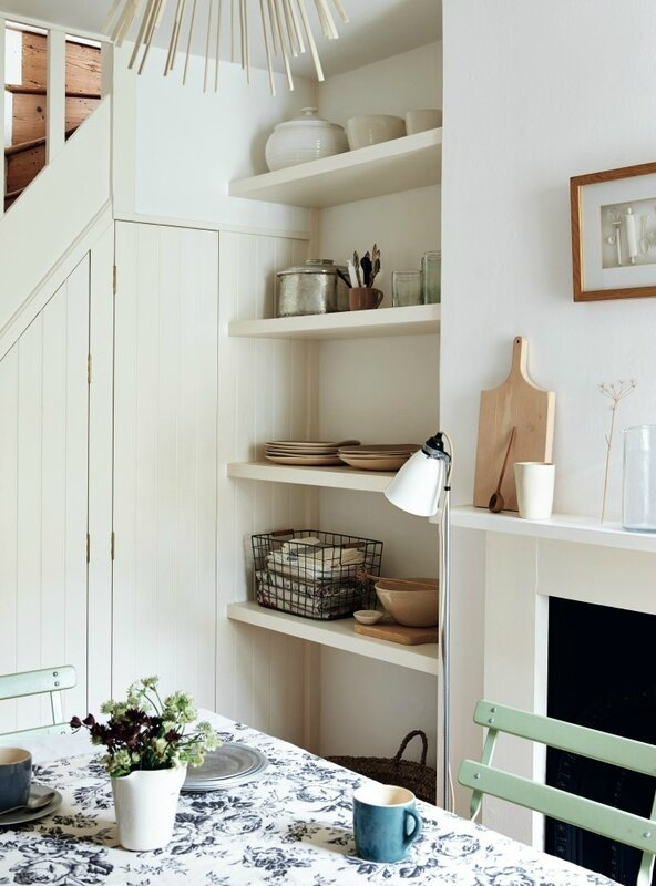 sara-emslie-beautifully-small-rachel-whiting-remodelista-2-733x990