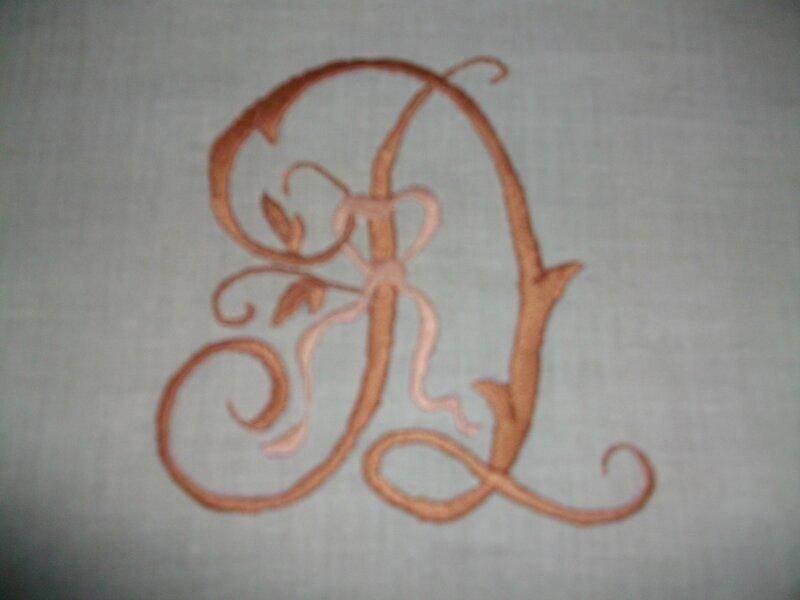 coussin monograme (2)