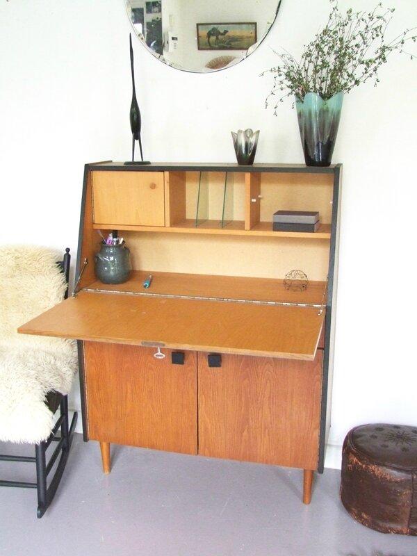 Bureaux secretaires meubles vintage pataluna chin s for Meuble secretaire