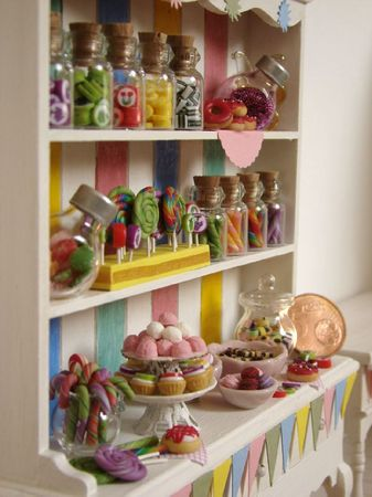 Sucreries_CandyCabinetRainbow3