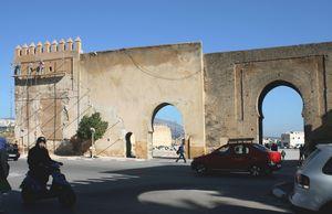 Bab CHEMS depuis l'avenue des Français FES Maroc