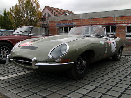 JAGUAR_E_Type_Series_I_Convertible___1961__1_