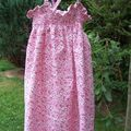 Robe à smocks rose