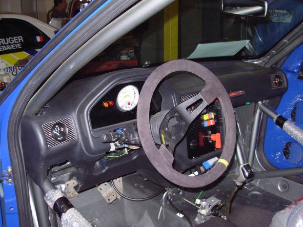 Remontage de l interieur 106 rallye f2000 for Interieur 106 sport