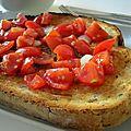 Bruschetta aux tomates marinées