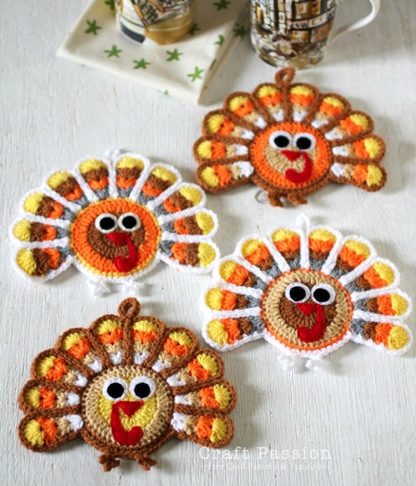 crochet-turkey-coaster-2