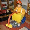 La pelleteuse, ou comment fabriquer soi-même un déguisement en carton pour un garçon (tutoriel)