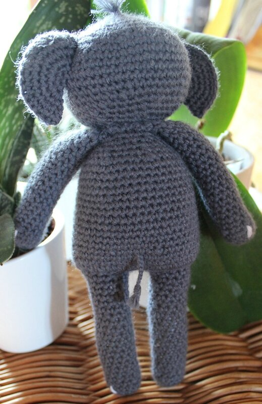 crochetelephantagatherose3
