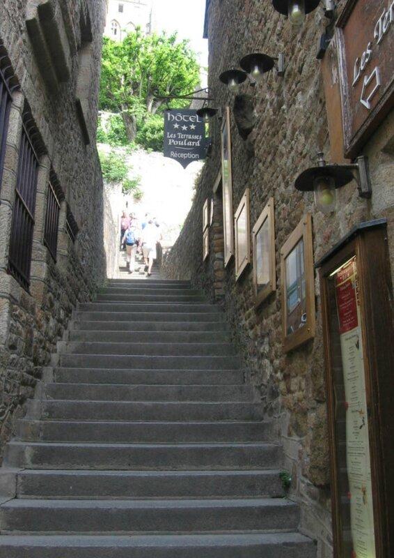 escalier MONT SAINT MICHEL