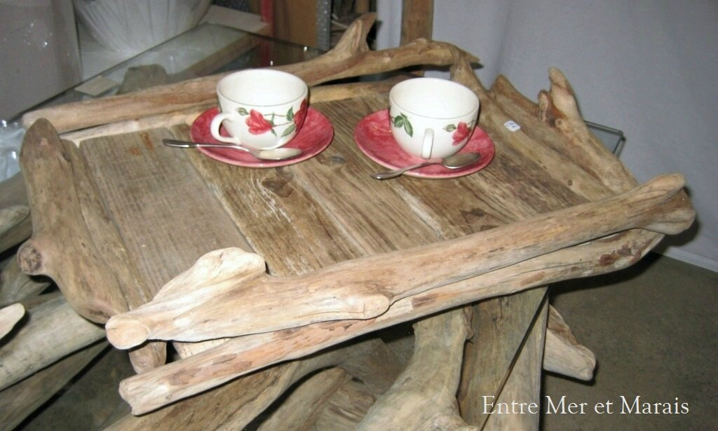 Art de la table en bois flott entre mer et marais for Table en bois flotte