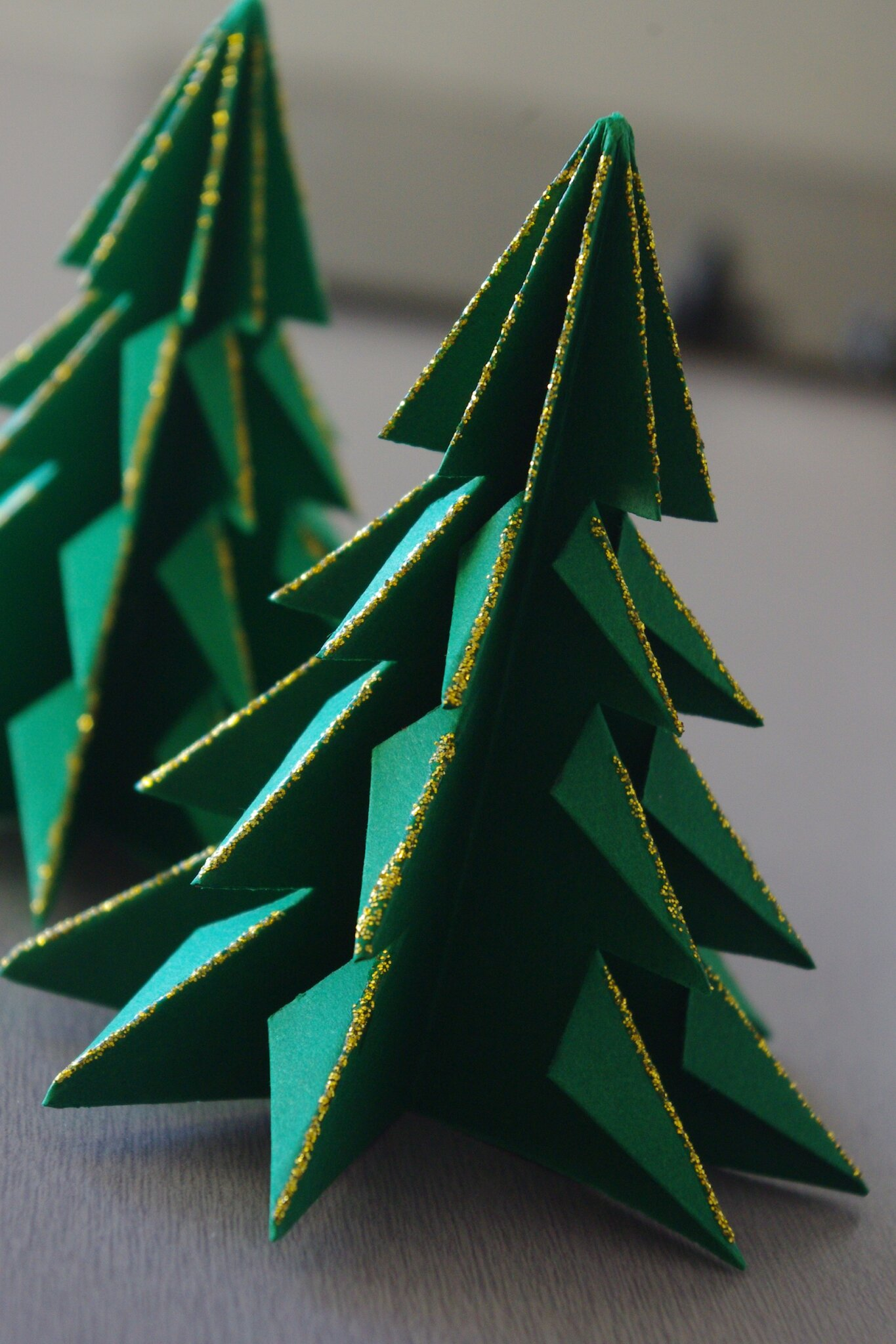 Jour 1 sapin en origami ma petite bulle de gourmandise - Sapin en papier origami ...