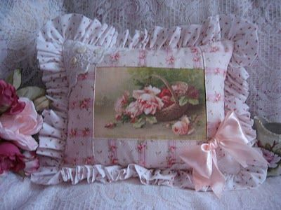 Klein rose basket pillow 001