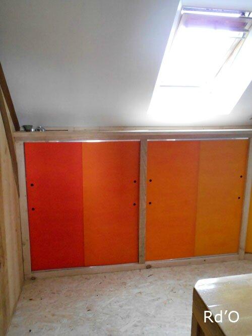 salle de bain en couleur rouge d 39 orient. Black Bedroom Furniture Sets. Home Design Ideas