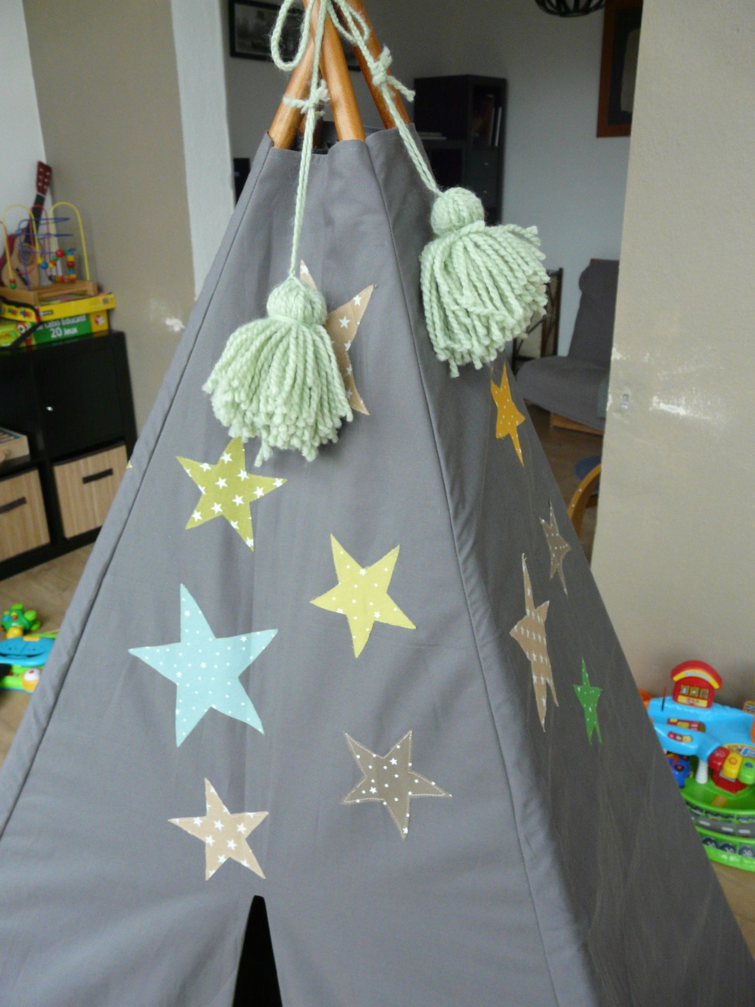 tipi des petits riens pour chambre d 39 enfants les p 39 tits gars en home made. Black Bedroom Furniture Sets. Home Design Ideas