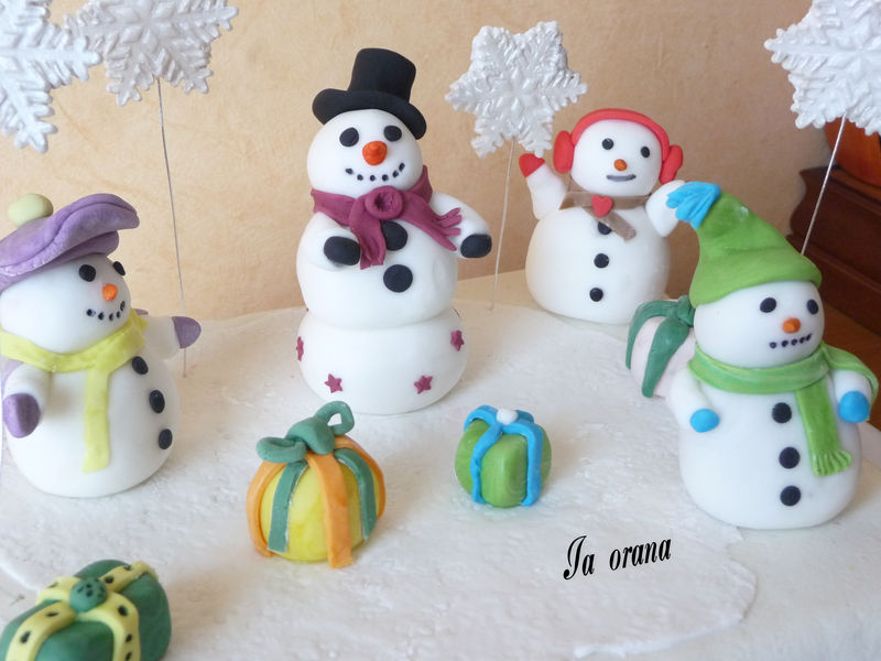g teau bonhomme de neige snowman cake mes petits g teaux. Black Bedroom Furniture Sets. Home Design Ideas