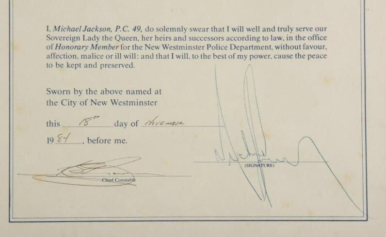 Michael Jackson est nommé membre honoraire de la police de New Westminster 91573713_o