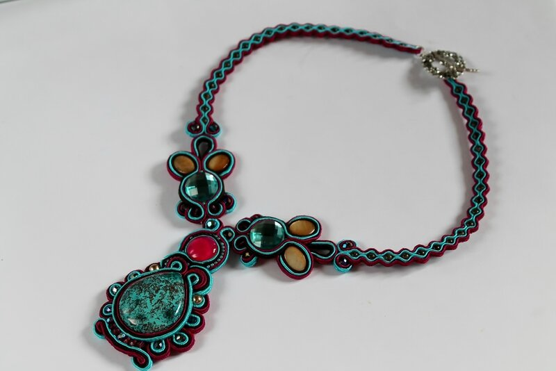 colliersoutache1