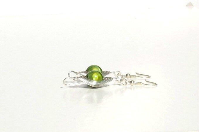 boucles d'oreilles wire argent perle verte profil