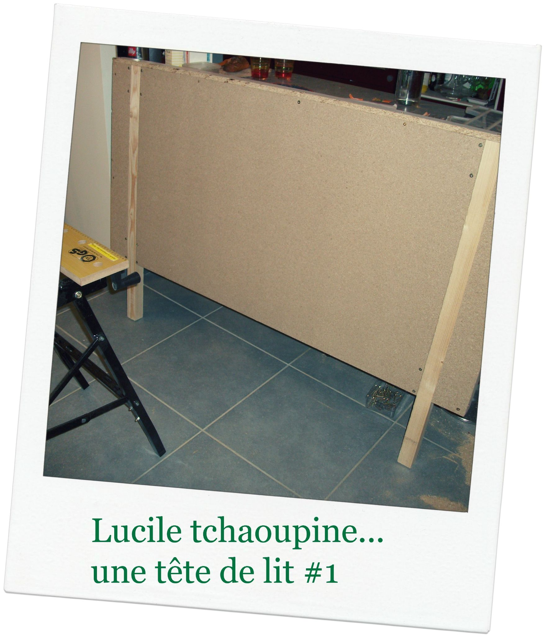 une t te de lit home made 1 lucile tchaoupine. Black Bedroom Furniture Sets. Home Design Ideas