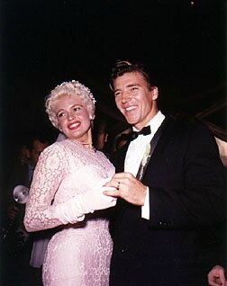 jayne-1958-01-13-wedding_mickey_hargitay-1-2