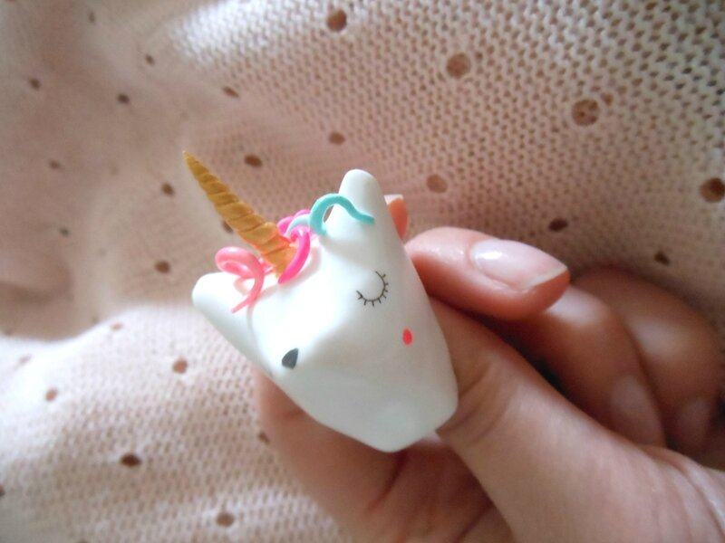 zabeil-broche trophee licorne-medium-1