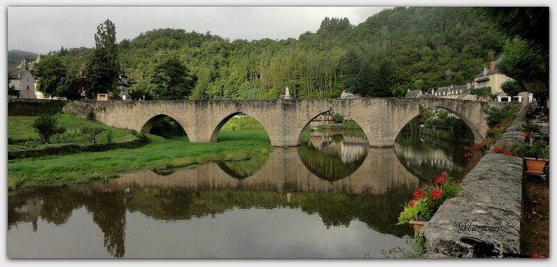 03 08 001 Pont d'Estaing1