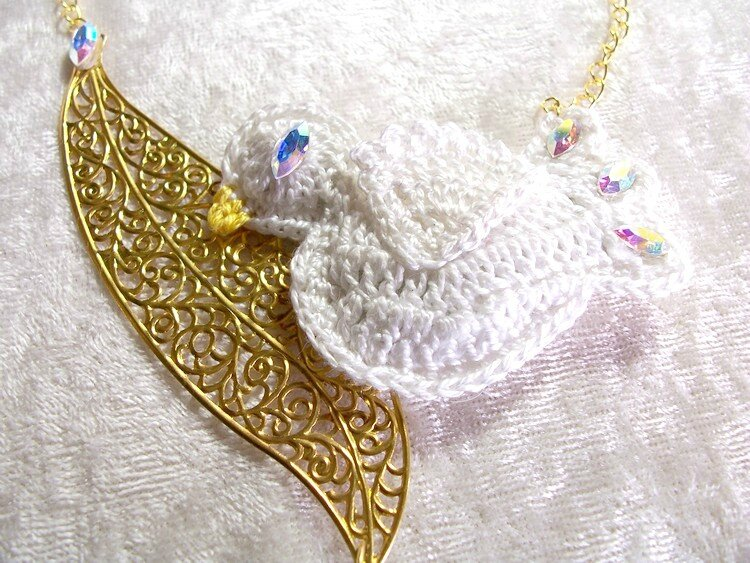 Collier Blanche Colombe 5
