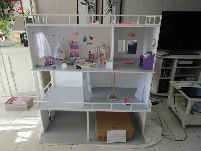 fabriquer une maison barbie. Black Bedroom Furniture Sets. Home Design Ideas