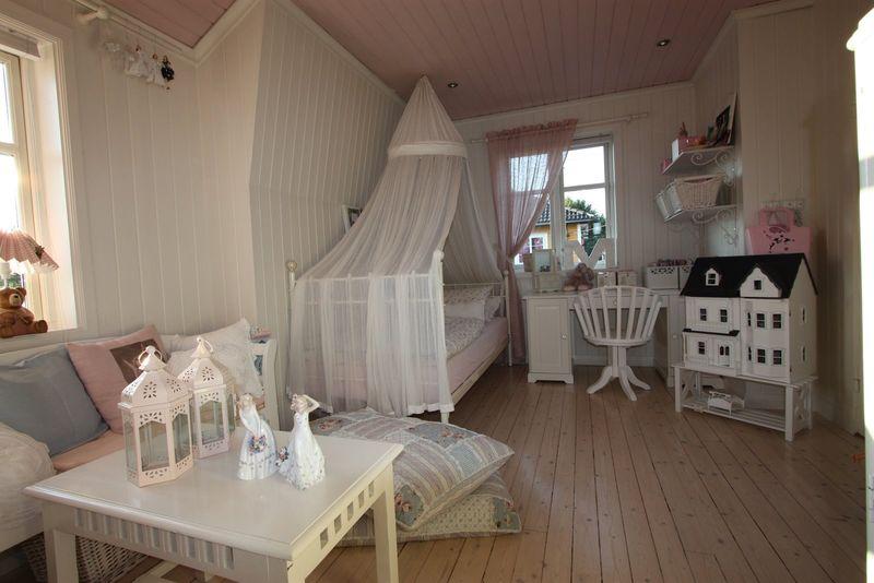 parquet chambre fille idee deco chambre bebe jaune et gris papier peint chambre moderne fille. Black Bedroom Furniture Sets. Home Design Ideas