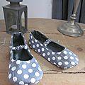 Pantoufles ALBERTINE enfant en lin gris et coton gris à pois blancs (4)