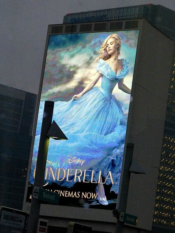 cinderella in the city L