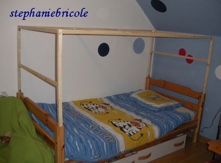 transformer un lit pour enfant en cabane st phanie bricole. Black Bedroom Furniture Sets. Home Design Ideas