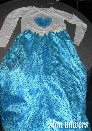 robe bleue A