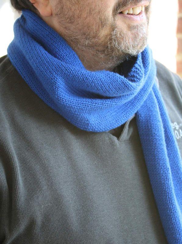 Echarpe très bleue/ mars 2009