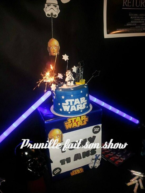 gateau star wars sur sweet table prunillefee