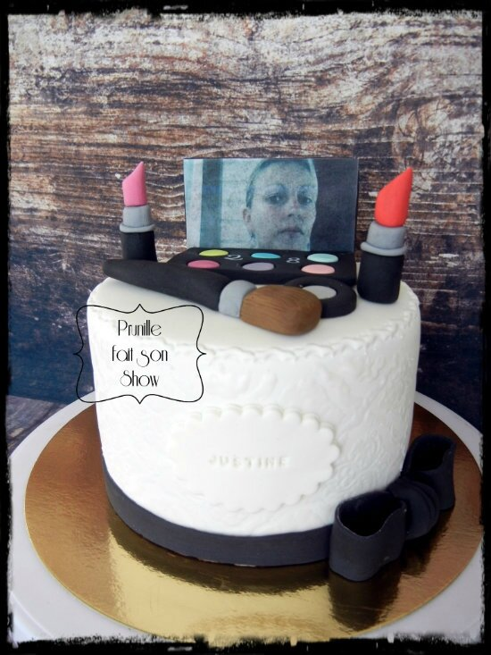 Gateau Maquillage - make up cake
