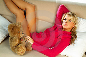 sexy_blonde_girl_with_teddy_bear_thumb512705