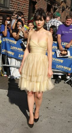 zooey_deschanel_letterman_203_wenn5149539