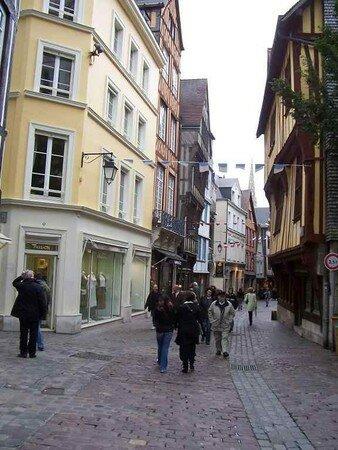 rouen_rue_saint_romain