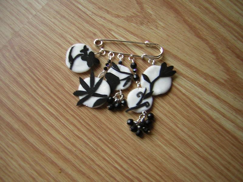 bijou noir et blanc