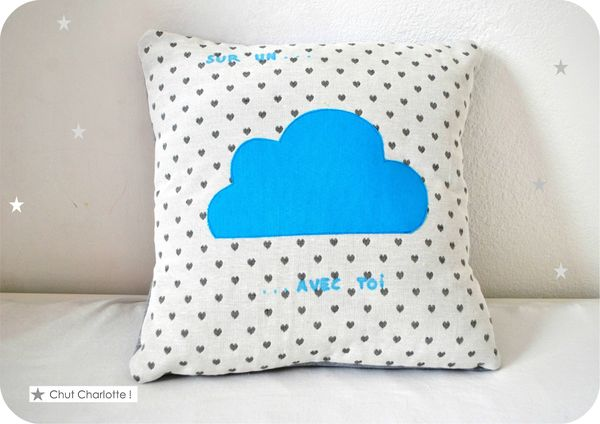 Coussin Sur un nuage Turquoise (1bis)