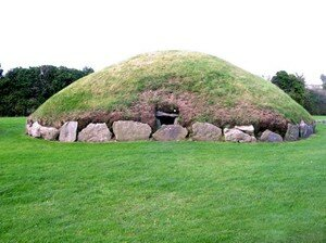 Newgrange_Knowth__11_a