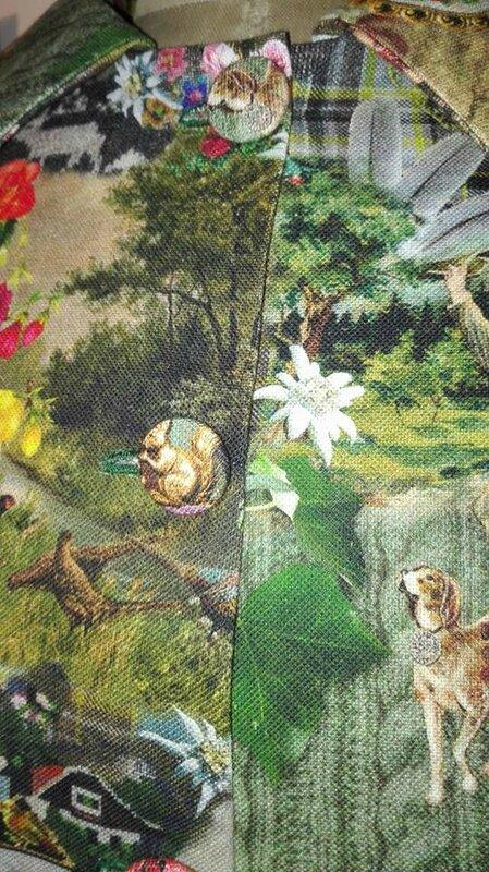 Veste VICTORINE en toile de coton imprimée montagne du tyrol - Doublure de satin noir (13)