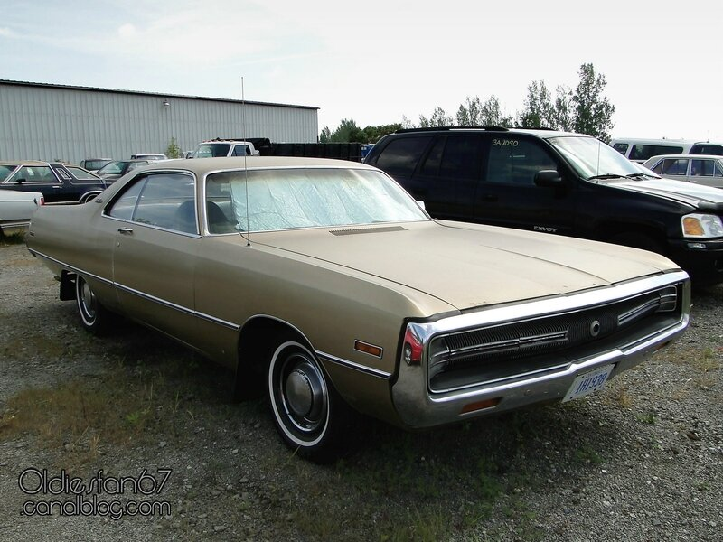 chrysler-newport-custom-coupe-1971-01