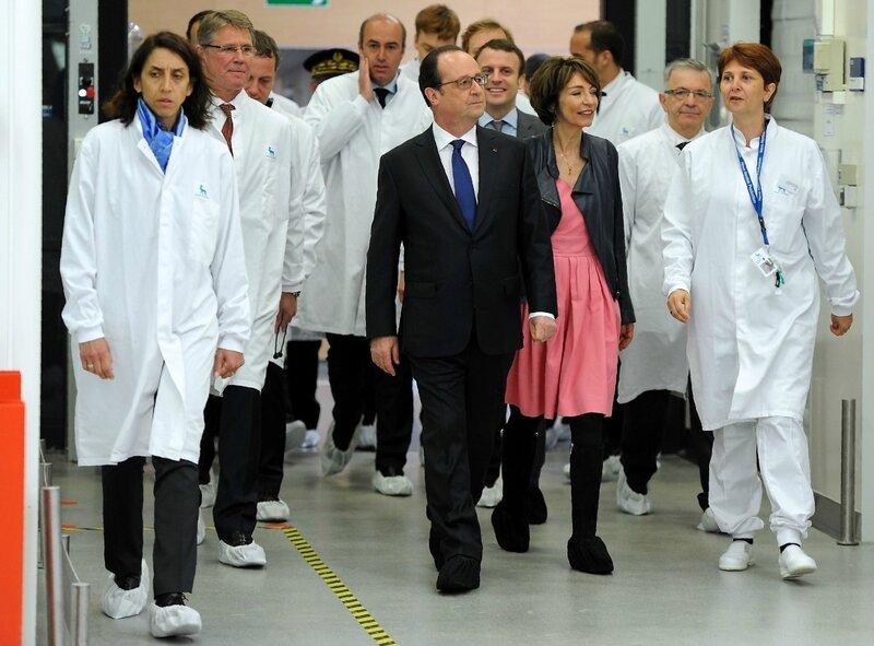 Francois-Hollande-accompagne-Marisol-Touraine-ministre-Sante-visite-site-production-insuline-Novo-Nordisk-Chartres-21-avril-2016_0_1400_1033