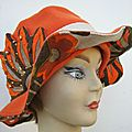 Chapeau orange tissu seventies